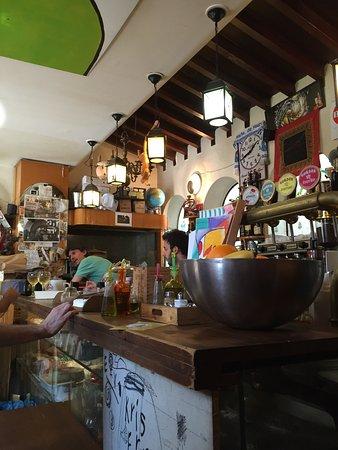 Un Caffe: photo1.jpg