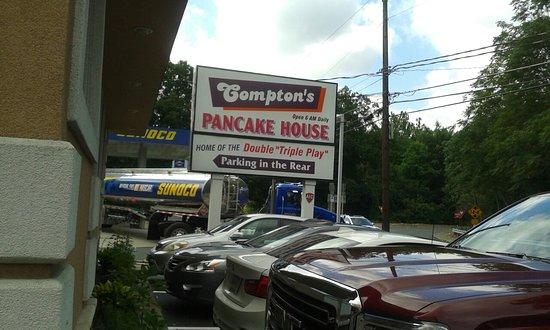 Compton's Pancake House: 20160805_102449_large.jpg