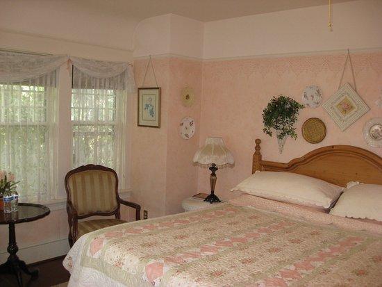 Vancouver, Waszyngton: bedroom with shared bath