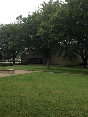 Abilene, KS: Dwight D. Eisenhower Library and Museum