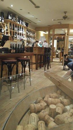 Vinoteque La Cercia: 20160806_215247_large.jpg