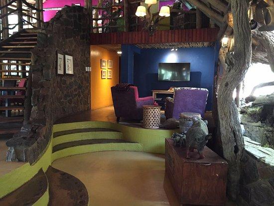 Jaci's Safari Lodge: Snug/Tv room