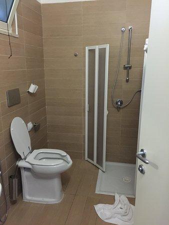 maritalia hotel club village bagno disabili senza bidet e con doccia rotta non ci
