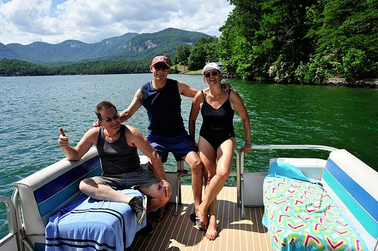 Lake Lure, Carolina del Norte: Snapshot of our visitors on the lake