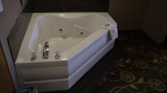 Holiday Inn Express Hotel & Suites Idaho Falls: Jet tub