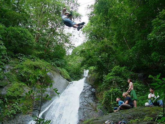 Мирамар, Коста-Рика: Waterfall Zip Line Tour