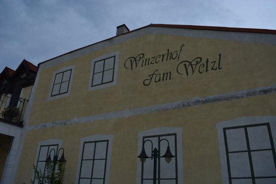 Achau, Autriche : Winzerhof Familie Wetzl