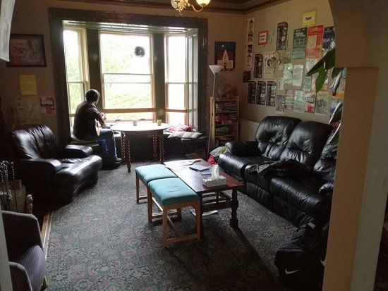 Inverness Student Hotel: sala comune