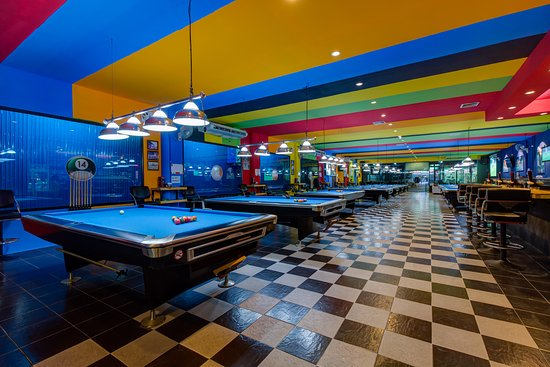 ‪Double Kiss Pool Hall & Sports Lounge‬