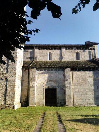 Armeno, Italien: Esterno della chiesa