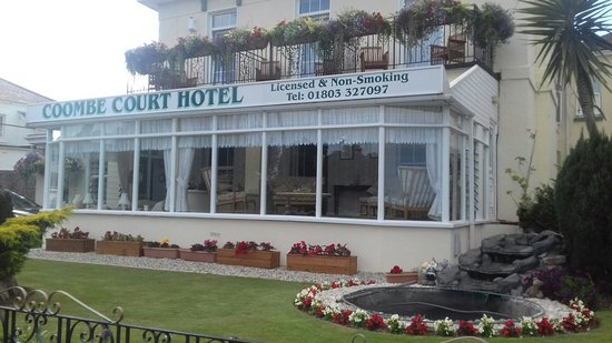 Coombe Court Hotel: 20160807_162213_large.jpg