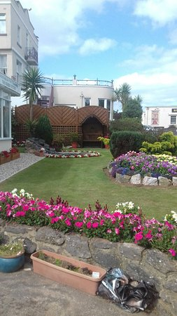 Coombe Court Hotel: 20160807_162112_large.jpg