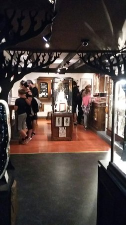The Museum of Witchcraft: 20160807_123030_large.jpg