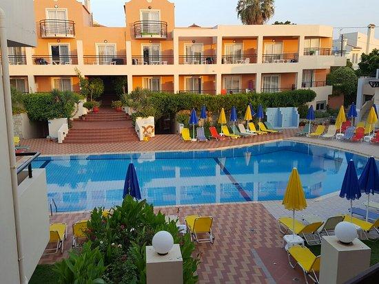 Pegasus Hotel: 20160801_065747_large.jpg