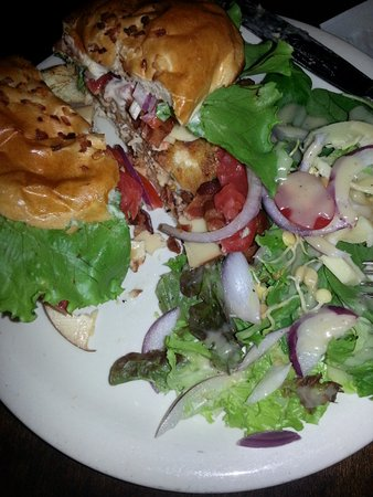 Frenchtown, St. Thomas: Club on an Onion Roll