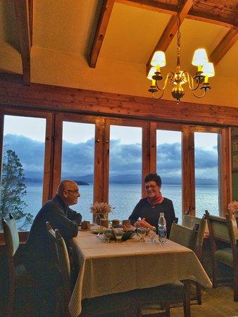 Hosteria Santa Rita: Desayunador. Excelente vista y excelente servicio