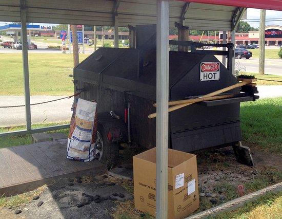 Jamaica Sunrise: The grill!