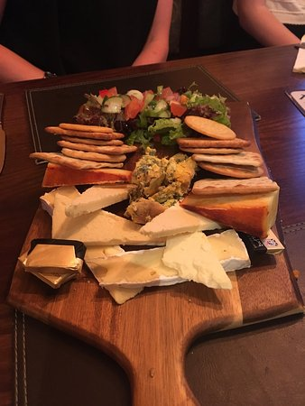 Mellor, UK: Fantastic cheese board