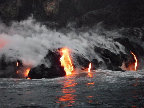 Lava Flowing Into The Sea Aug 2016 Photo By Barry