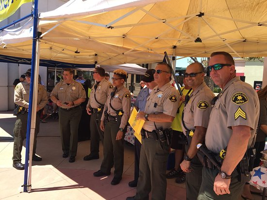 Hug the Police day in Santee