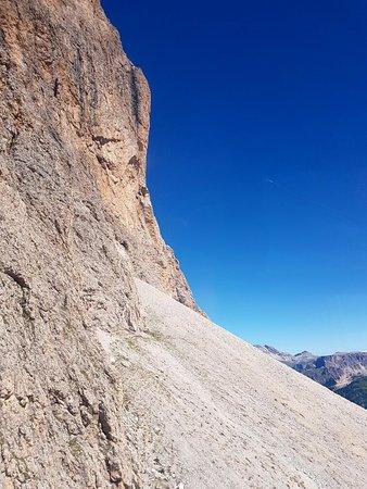 Telecabina del Passo Sella: 20160807_114011_large.jpg