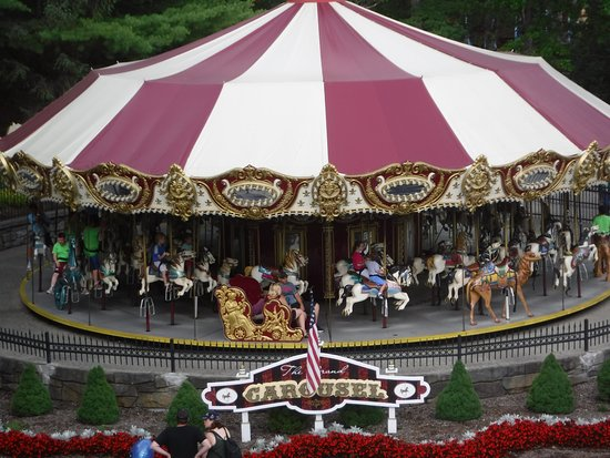 The Great Escape and Splashwater Kingdom: carousel