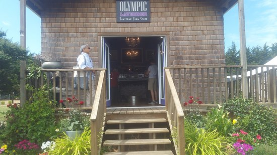 Sequim, WA: Check out the store- all organic products