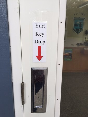 Grayland, WA: After hours Yurt Key Drop Off.