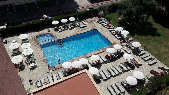 Hotel Fenals Garden: Piscina del hotel