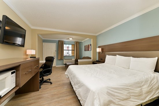 Inn of the Conchos: Executive King view of room
