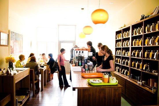 Waterloo Gardens Teahouse: Interior