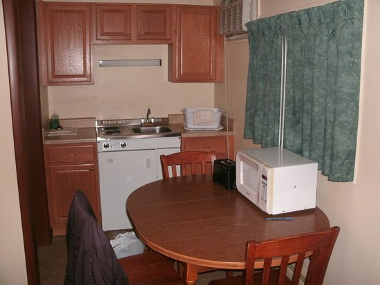 Riverbank Motel and Cabins : Full kitchen
