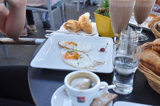 Das Cafe am Dom: Eggs