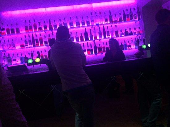 Austur Bar