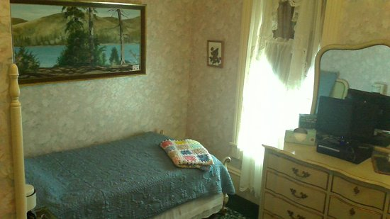 Elgin, OR: 2 twin beds, Northern Lights Room