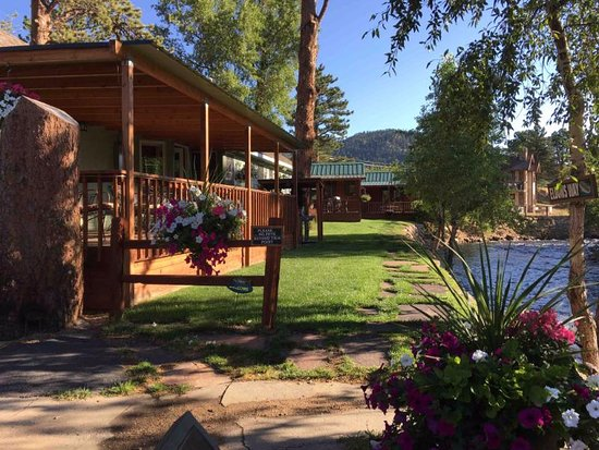 Paradise on the River: Larger cabins