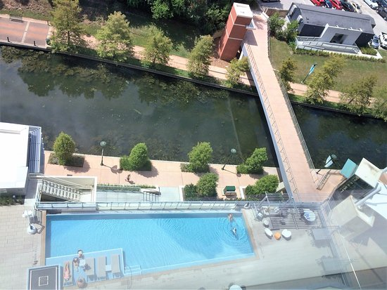The Woodlands, TX: View of the pool and Waterway from our room