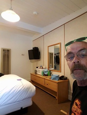 Big Iron Motel: myself in the room