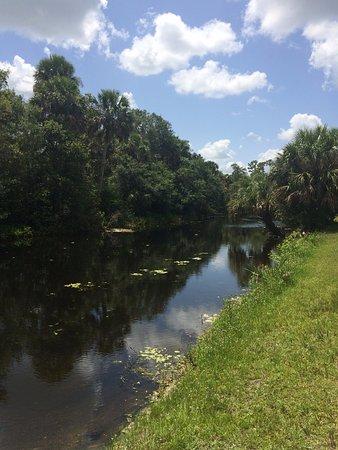 Jupiter, FL: La gente andaba en botecitos o kayak