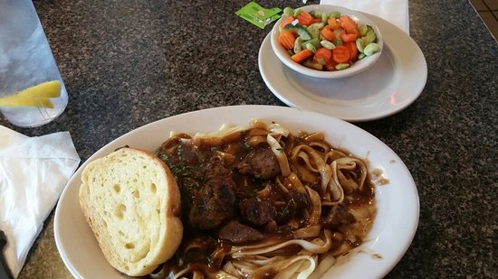 LaVale, MD: Beef tips, fettuccine & mixed veggies