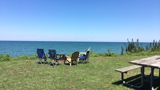 Virginia's Beach Campground: Outside deluxe lakefront cabin