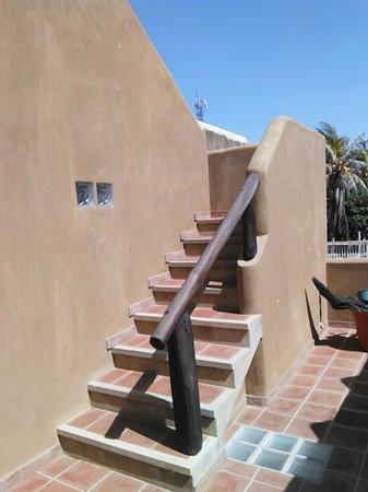 Posada Kanosta: Escalera de acceso a la habitación