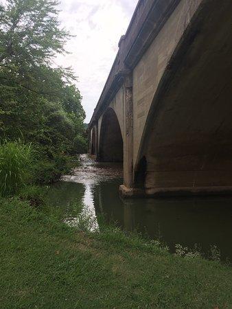 Waynesville, MO: Nice place to take a walk!