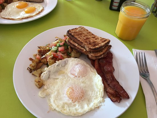Bogie's Cafe: over-easy eggs with bacon
