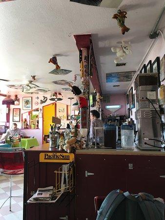 Bogie's Cafe: Quirky but fun decor