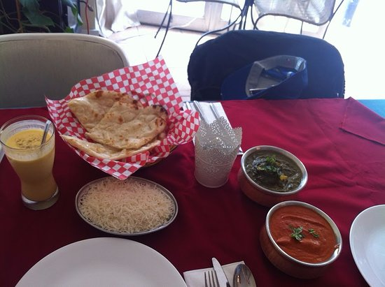 Bollywood Bistro : Butter chicken and paneer/spinach with sweet Lassi