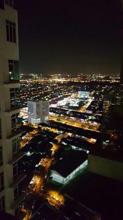 Johor Bahru District, Maleisië: 20160805_204313_large.jpg