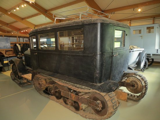 Skogar, Island: Early vehicle with skids