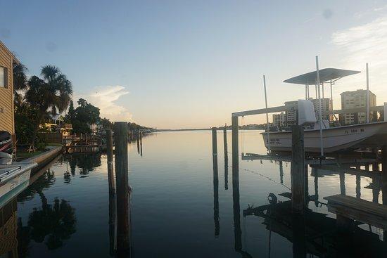 Five Palms Condominium Resort: Dawn at Five Palms dock