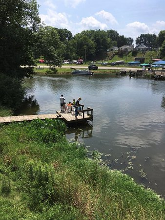 Monticello, IN: Out Fishing on the Dock!